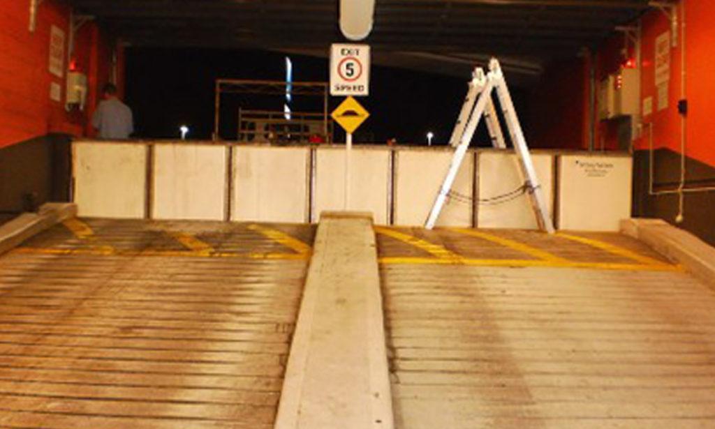 Parcheggio privato, Australia - SCFB 1250.